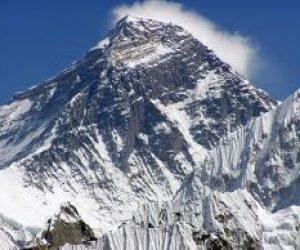 לטפס כל שנה לאוורסט